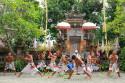 Kriskämpfer im Barong Tanz auf Bali