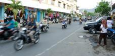 Die Kleinstadt Sumbawa Besar auf Sumbawa, Indonesien