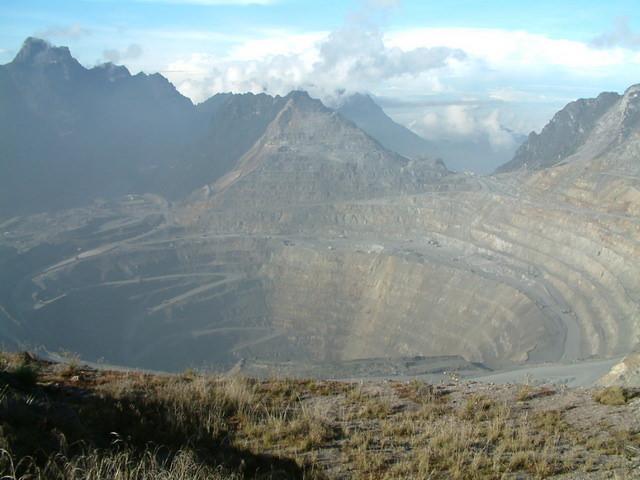 Grasberg-Mine - Umweltverschmutzung und niedrigste Förderkosten der Welt in einem armen Land